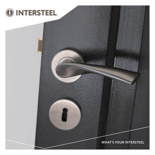 Intersteel deurklink Vlinder op rozet met 7 mm nok INOX geborsteld - Sfeerbeeld